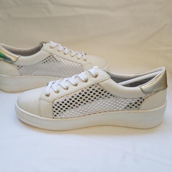 78246502565 NIB Women s White Nyssa Sneakers Lace Up